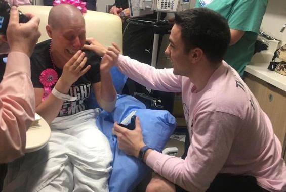 Η αντίδραση ενός άντρα όταν του ζήτησε η σύντροφός του να χωρίσουν επειδή διαγνώστηκε με καρκίνο