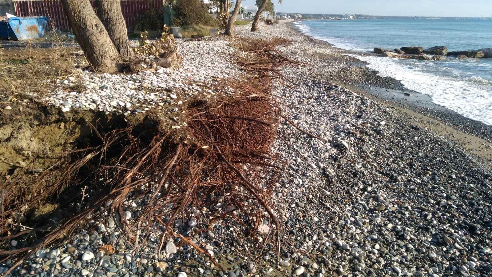 Τρομερό το πρόβλημα διάβρωσης στις παραλίες Ορόκλινης και Περβολιών