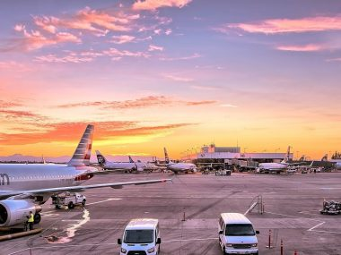 airport-1553958_1920