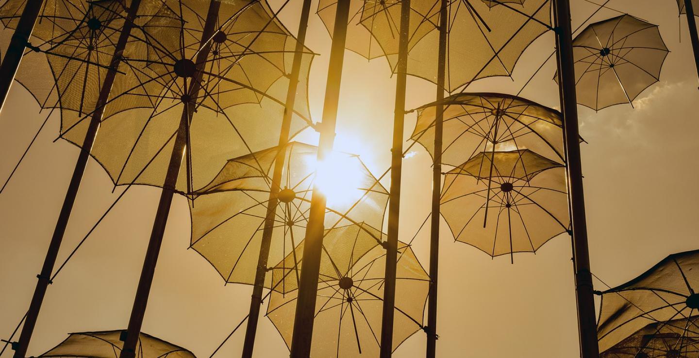 umbrellas-4203731_1280