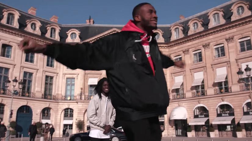 Ο Θανάσης Αντεντοκούμπο χόρεψε το ζεϊμπέκικο της Ευδοκίας στο κέντρο του Παρισιού-ΒΙΝΤΕΟ