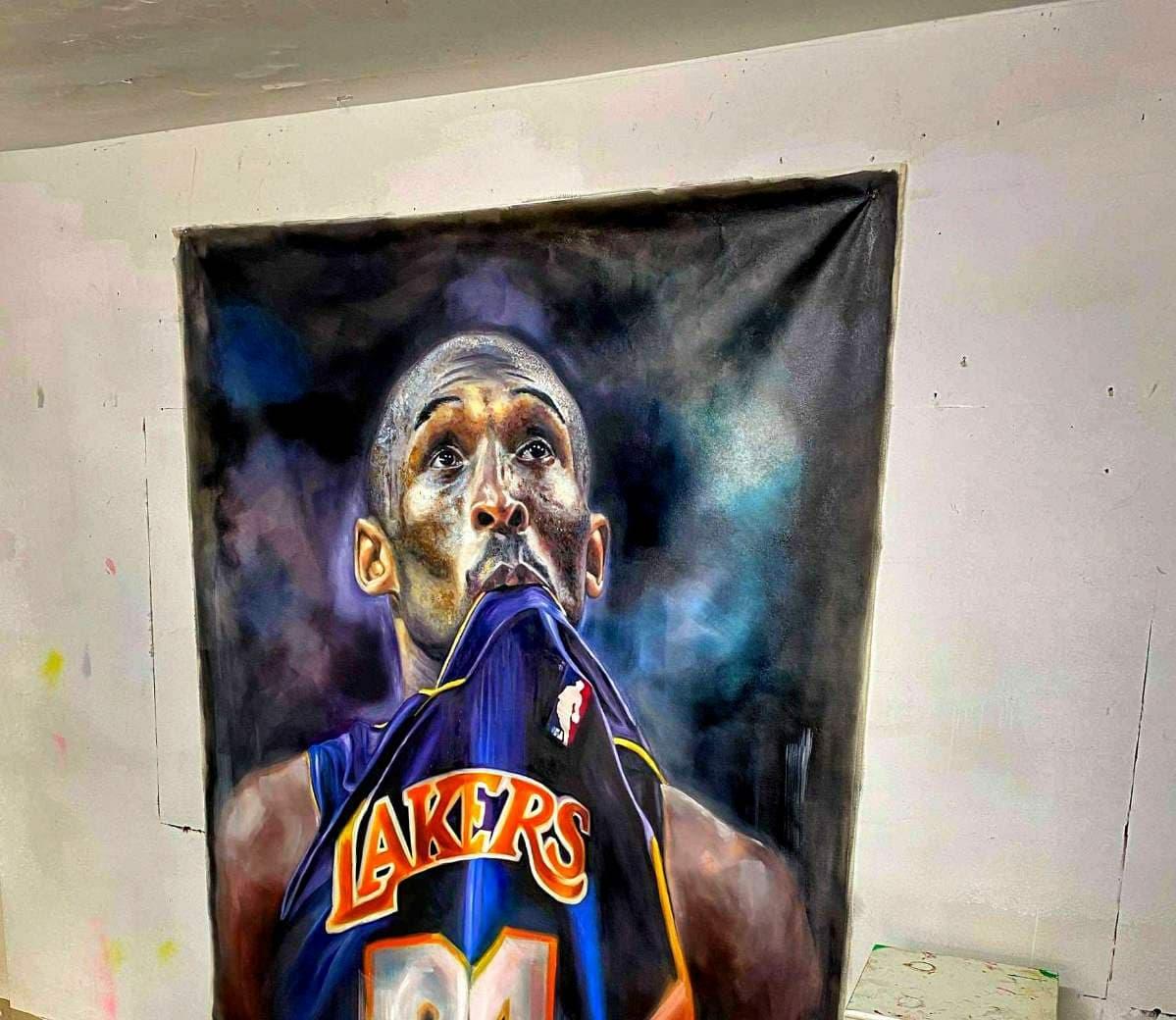 Πορτρέτο του Kobe Bryant σε κεντρικό δρόμο της Λάρνακας