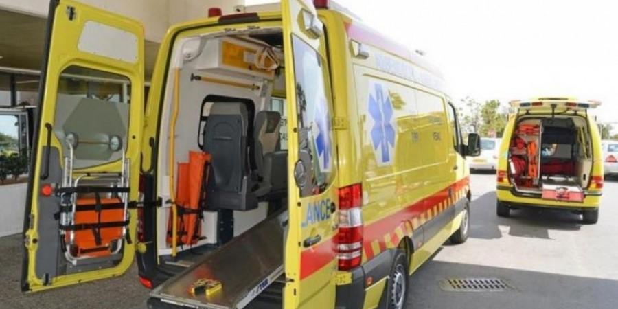 Τροχαίο αυτο/δρομο Λάρνακας – Λεμεσού: Όχημα ανετράπη–Στο σημείο ασθενοφόρο