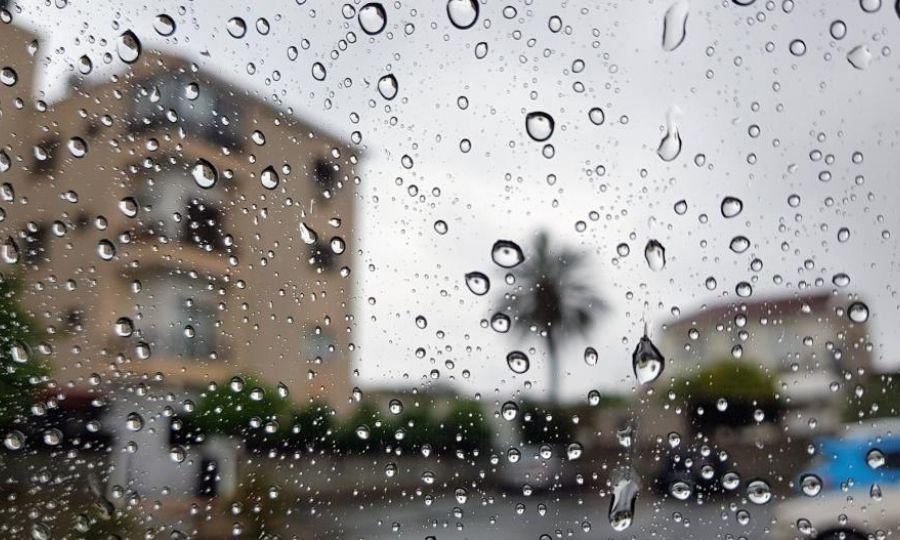 Βροχερό το σκηνικό του καιρού – Σκόνη στην ατμόσφαιρα