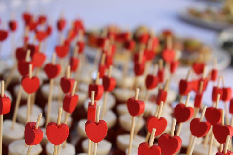 Τι αγοράζουν οι ερωτευμένοι Έλληνες του Αγίου Βαλεντίνου;