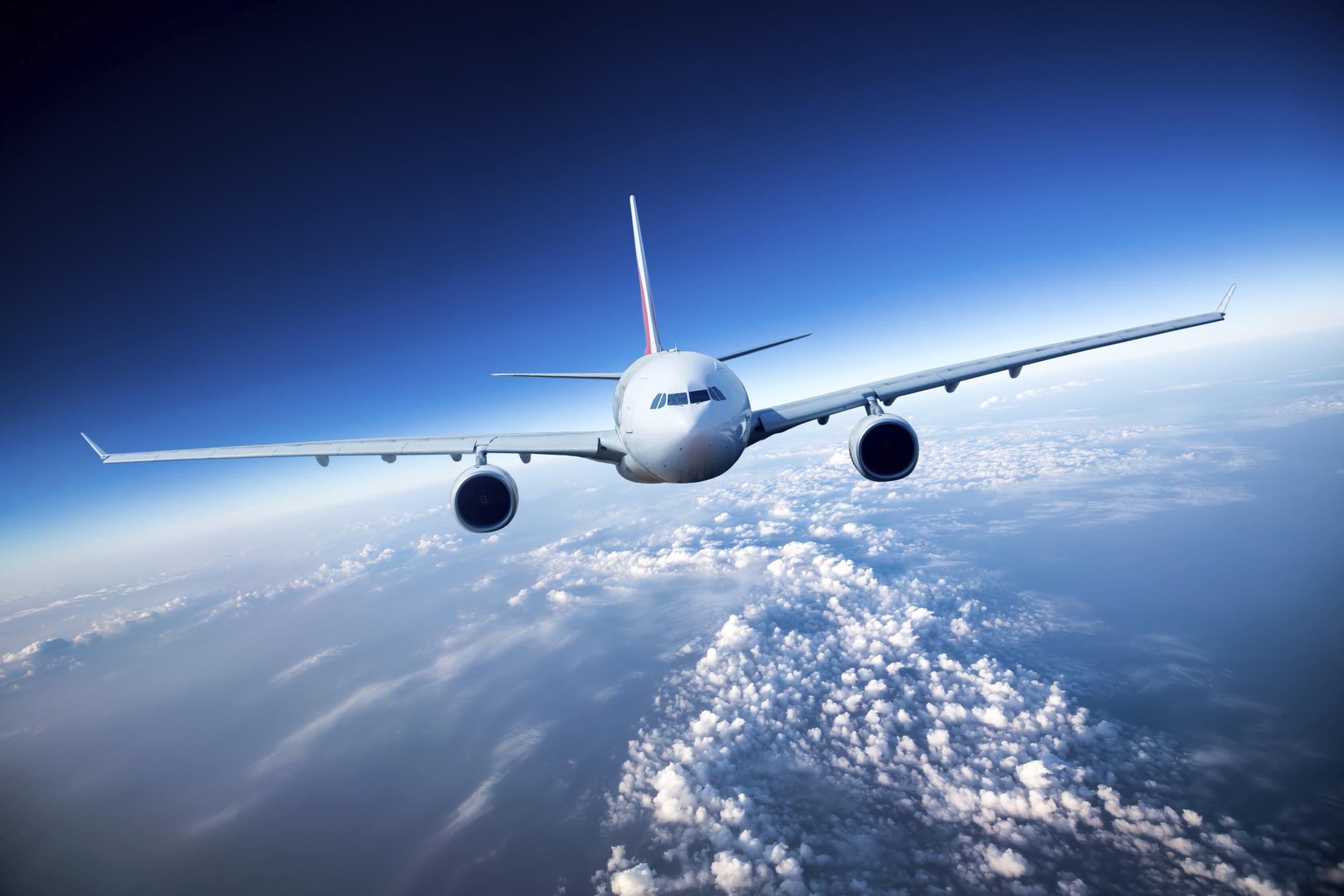 Φθηνότερες και… σπανιότερες οι πτήσεις