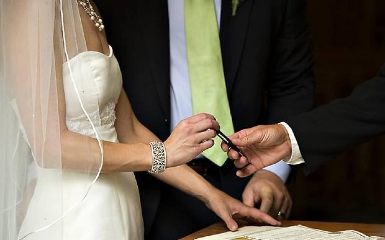 Σπάει τη σιωπή του ο γαμπρός για τον γάμο-βόμβα στη Θεσσαλονίκη