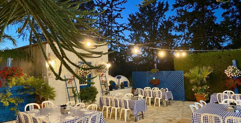 Πλούσιος μεζές με μόνο €11.99, σε μία κυπριακή ταβέρνα λίγο έξω από τη Λάρνακα