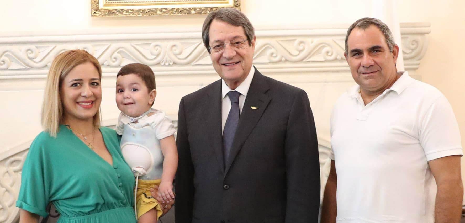 Ο μικρός Αντώνης στο Προεδρικό  (Φώτο)