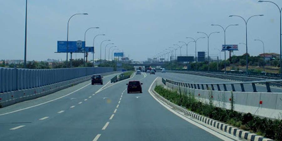 ΛΑΡΝΑΚΑ – ΤΡΟΧΑΙΟ : Σύγκρουση οχημάτων σε αυτοκινητόδρομο – Κλειστή η μια λωρίδα κυκλοφορίας
