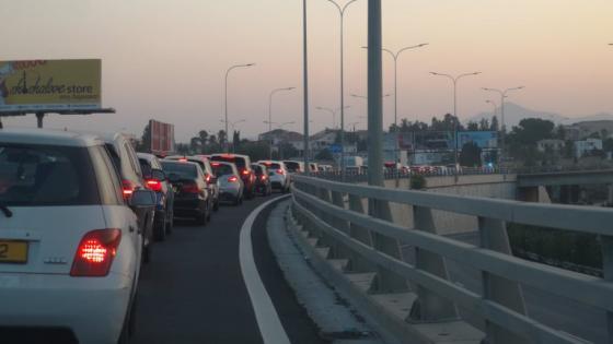 ΛΑΡΝΑΚΑ:Δόθηκε στην κυκλοφορία η λωρίδα στον αυτοκινητόδρομο πριν από την αερογέφυρα Ριζοελίας