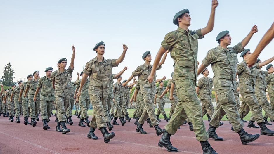 Αξιώσεις €14εκ από γονείς στρατεύσιμων φοιτητών αν κινηθούν δικαστικώς