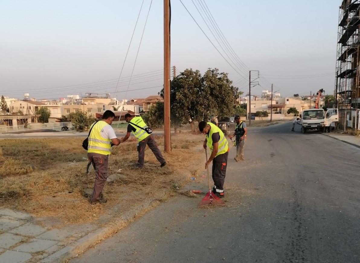 To Τμήμα Καθαριότητας του Δήμου Λάρνακας συνεχίζει την καθαριότητα σε περιοχής της πόλης