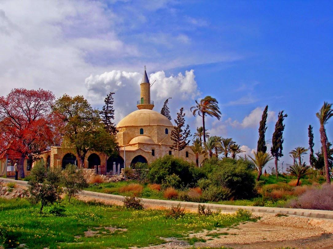 1085x1500_Kipr_hala-sultan-larnaca