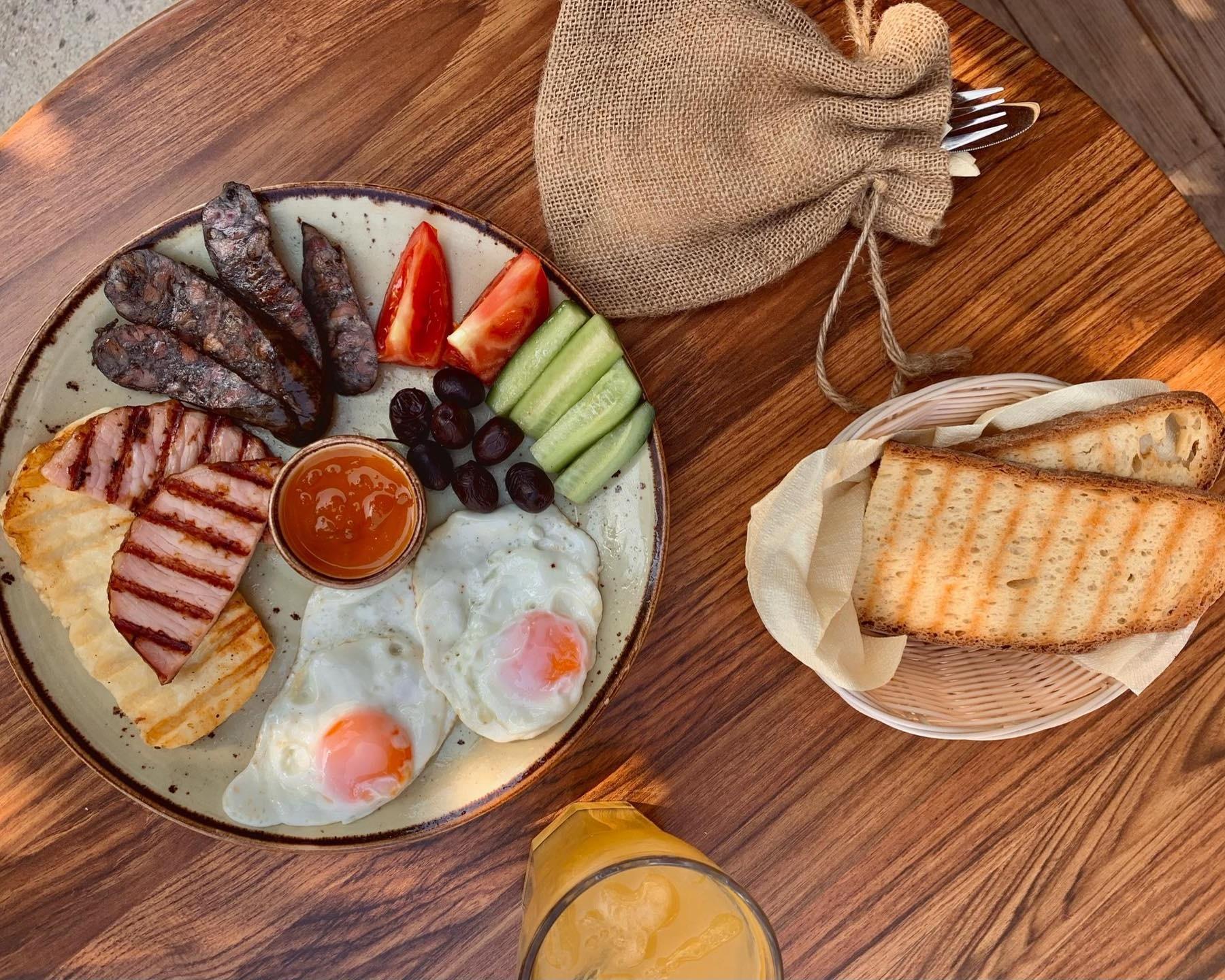 2 μέρη στη Λάρνακα που μπορείς να απολαύσεις αυθεντικό κυπριακό πρωινό