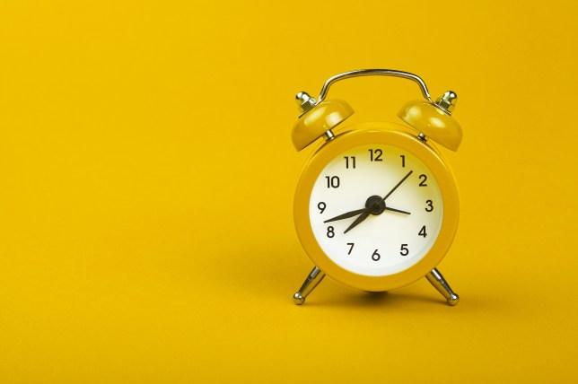 Ποια Κυριακή θα γυρίσουμε τα ρολόγια μας;