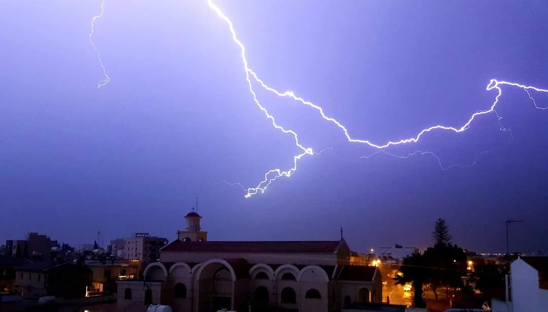 Σε ισχύ σήμερα κίτρινη προειδοποίηση για βροχές και καταιγίδες