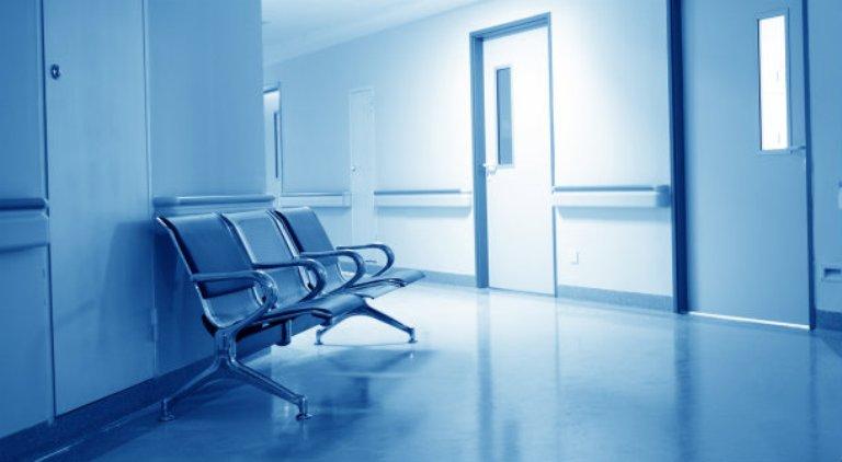 «Ασθενής έμεινε 49 ώρες σε ΤΑΕΠ» – Σοβαρές καταγγελίες στην Επ. Υγείας