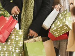 1475165054-christmas-shopping_0.png