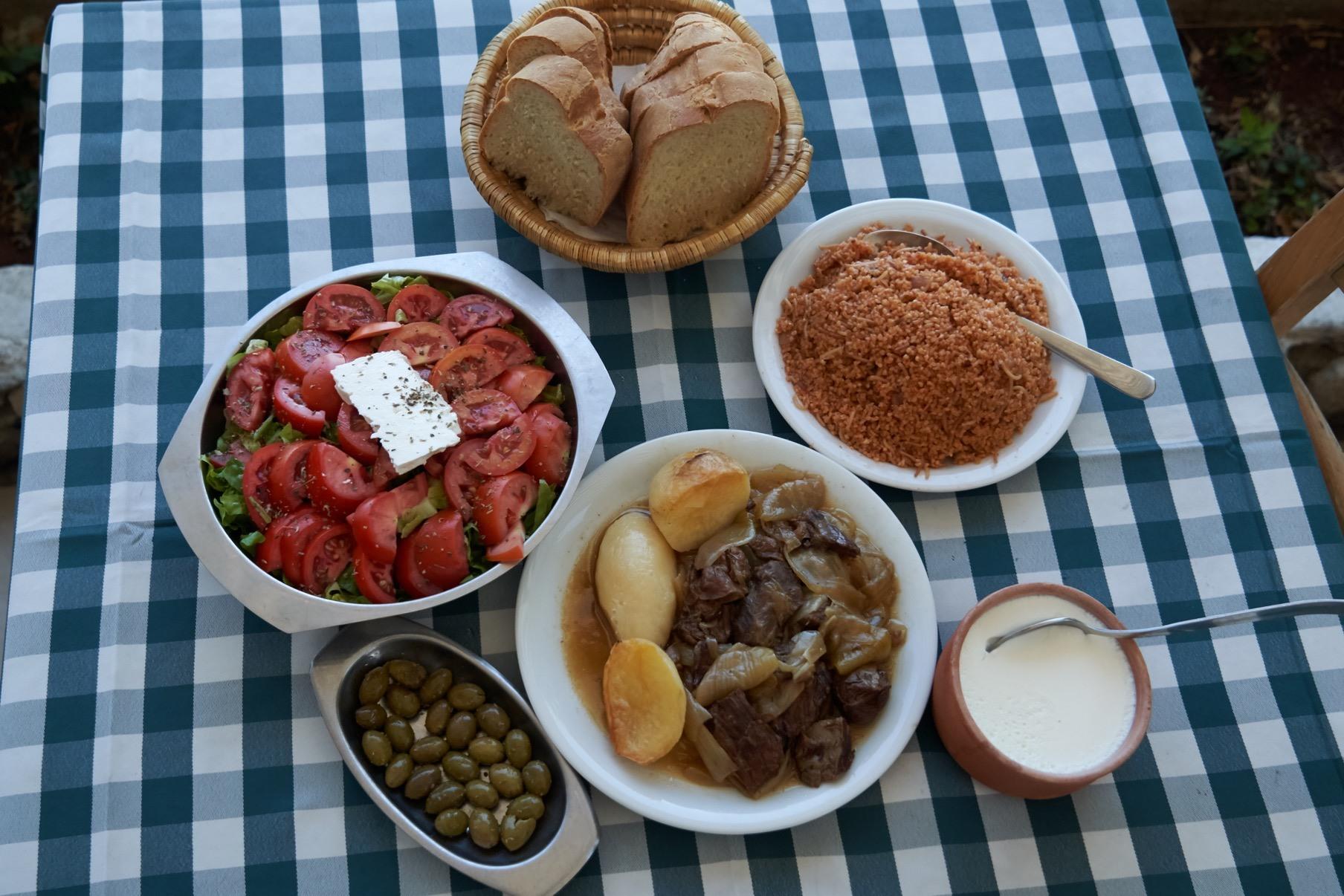 Αυτές τις γιορτές θα φάμε τα παραδοσιακά πιάτα του Militzis Restaurant στο σπίτι μας