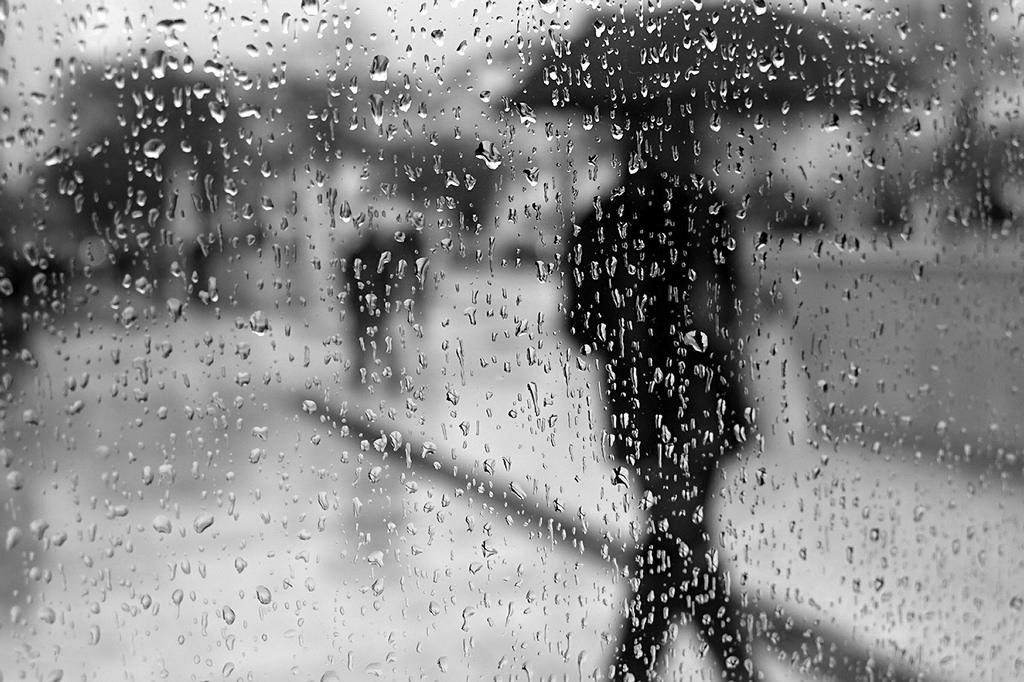 Πτώση της θερμοκρασίας, βροχές και καταιγίδες