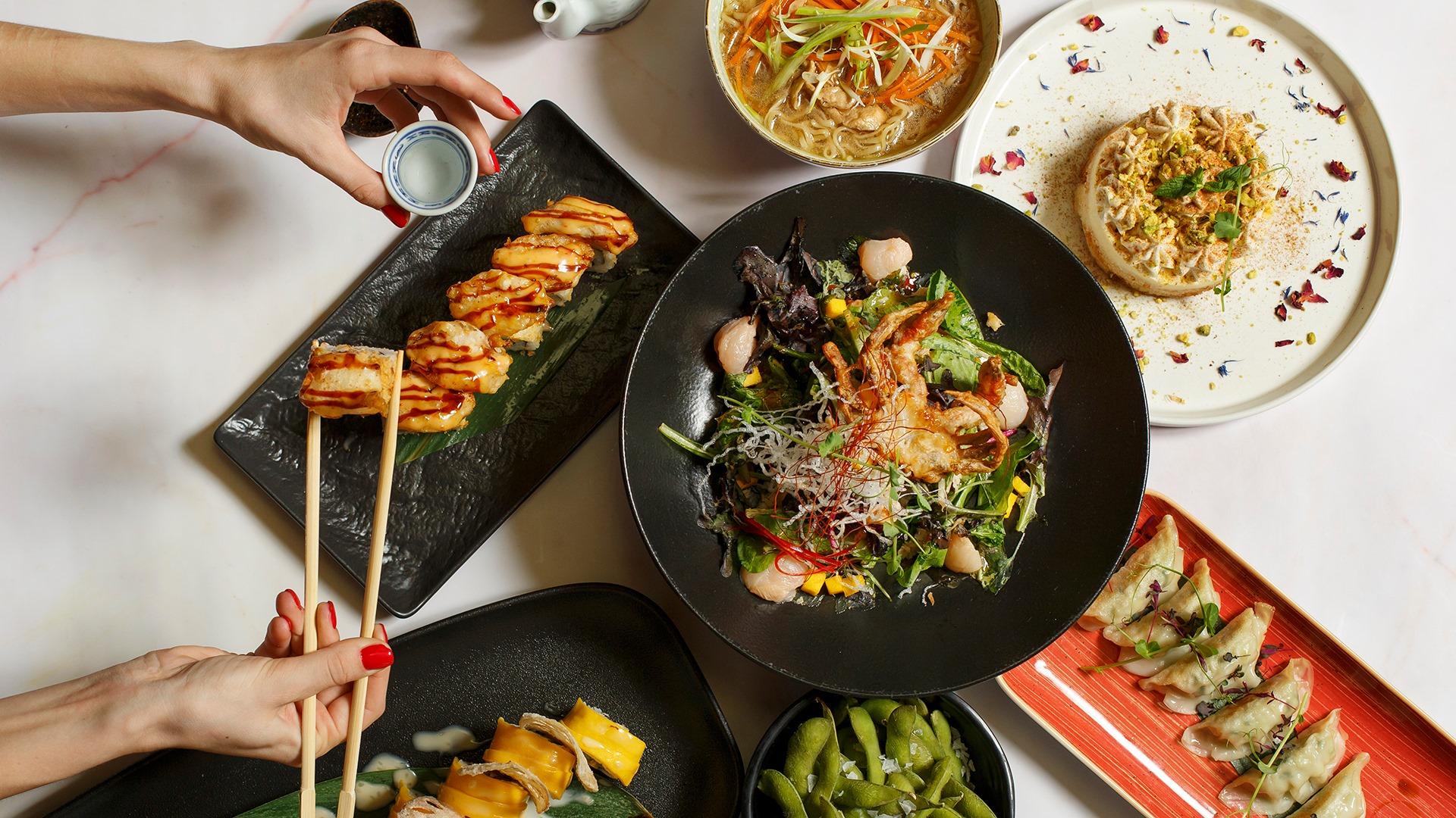 Αυτά τα λαχταριστά πιάτα Ασιατικής κουζίνας έρχονται στο σπίτι σου