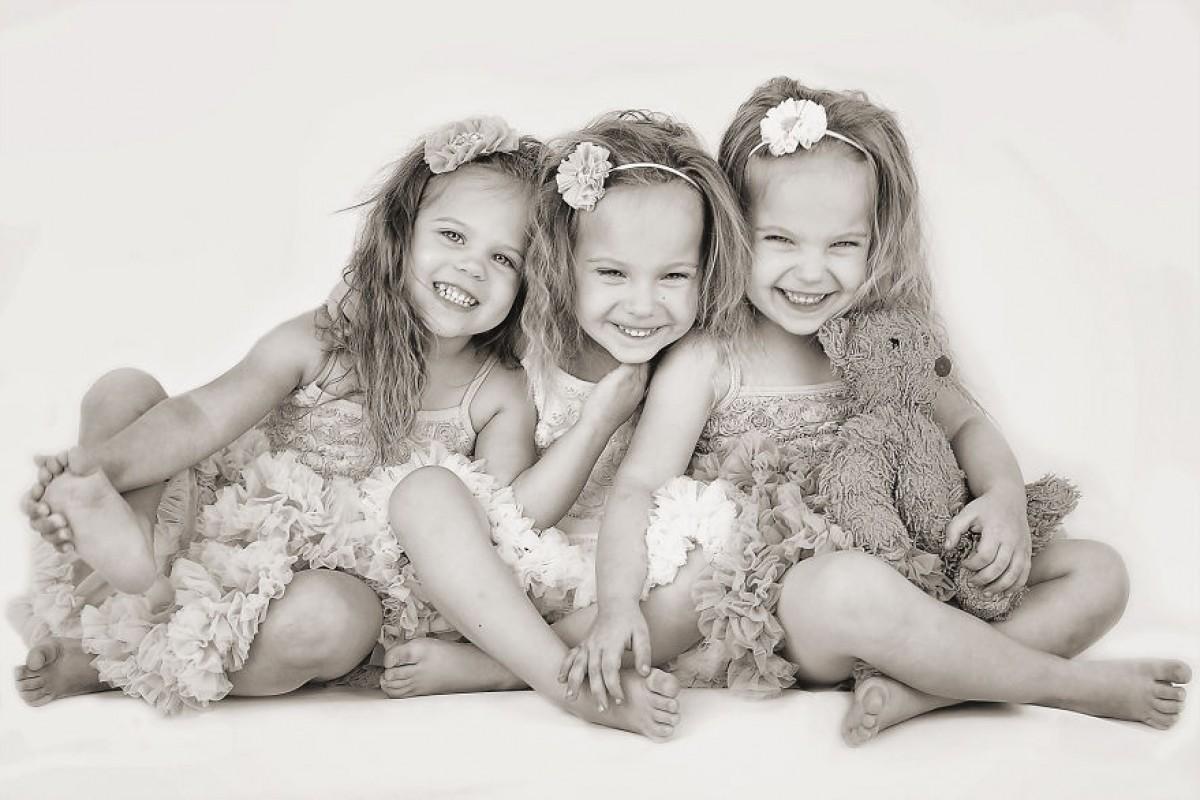 Triplets__880-1200x800_c