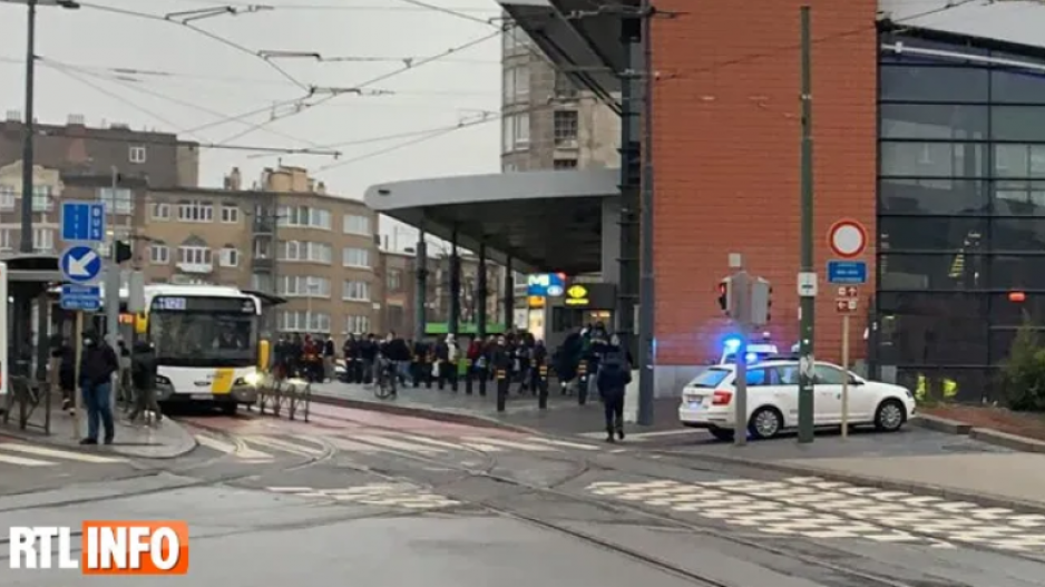 Επίθεση με μαχαίρι σε μετρό στις Βρυξέλλες