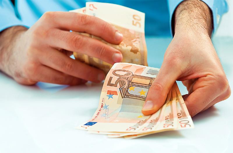 Σχέδια: Ποιοι θα πάρουν αύριο 1.000 ευρώ
