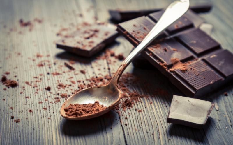 μαύρη-σοκολάτα