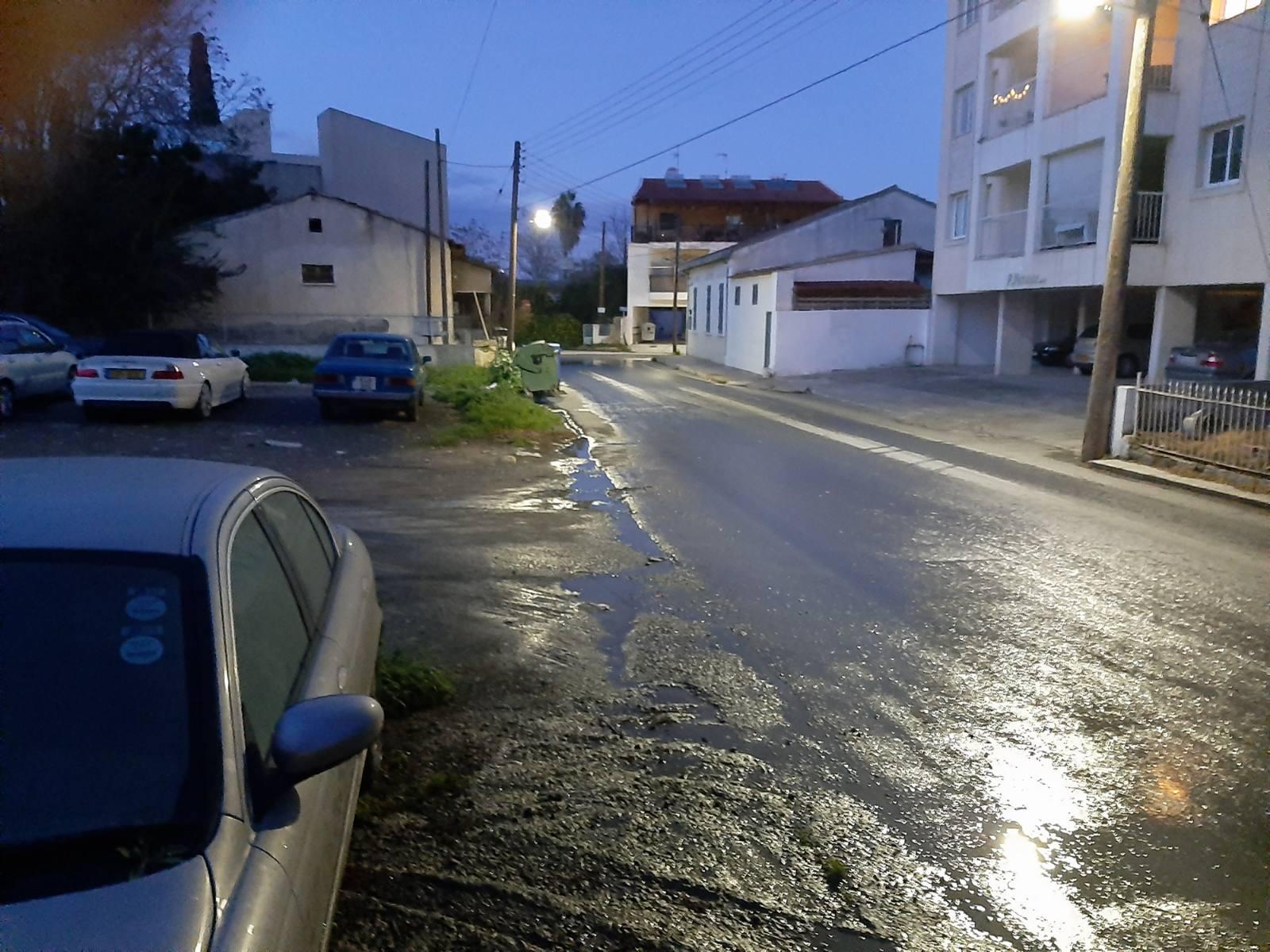 Λάρνακα: Οδός… λυμάτων η Α. Στρουθίδη (ΦΩΤΟ)