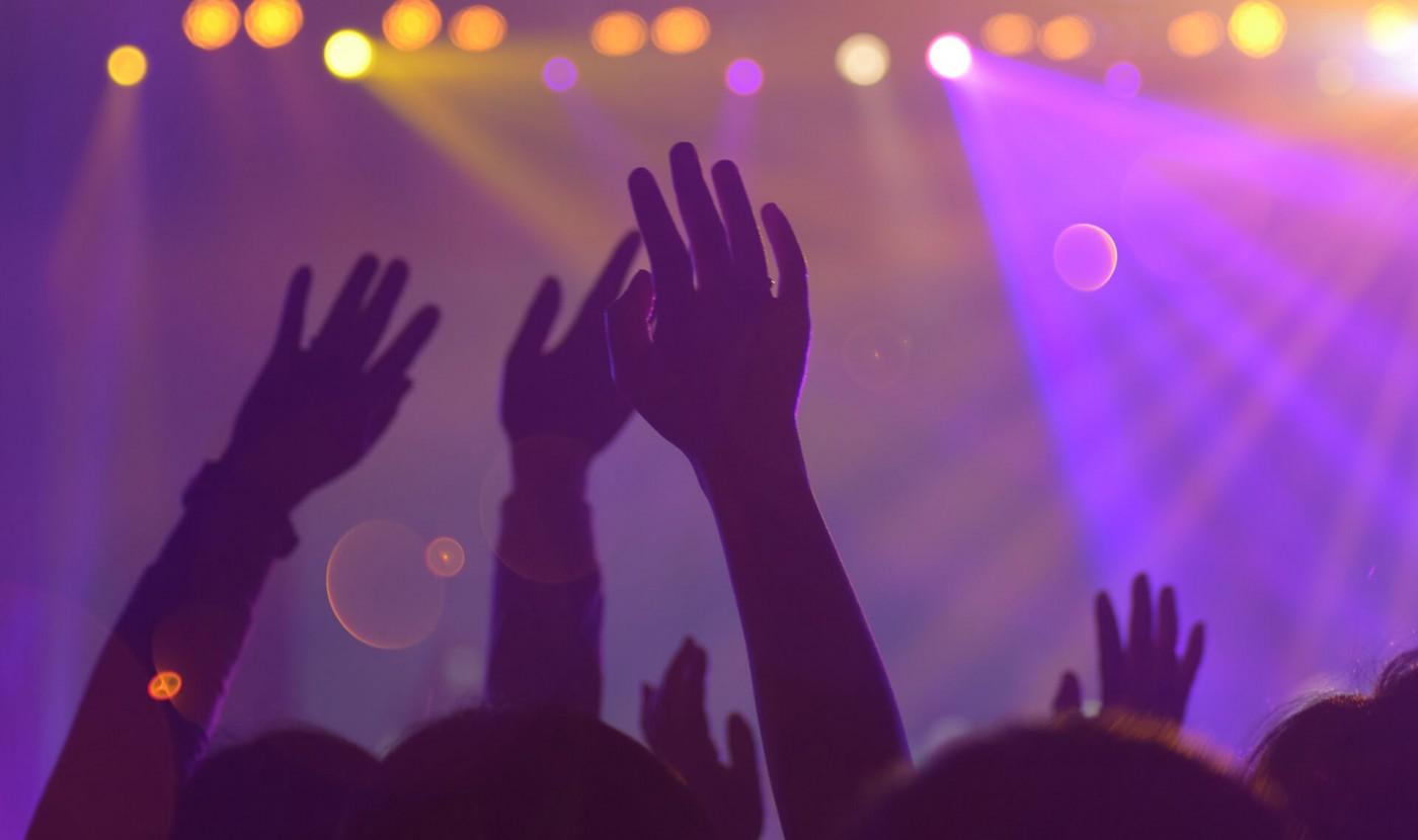 Άνοιξαν κλαμπ στη Λάρνακα με τρεις DJ – Πρόστιμο σε 17