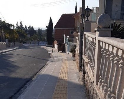 Ολοκληρώθηκε η ανακατασκευή πεζοδρομίων στην Ορόκλινη (φώτο)