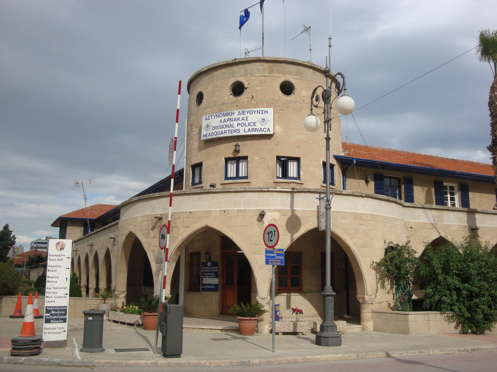 Larnaca-Town-Police-Station_3848