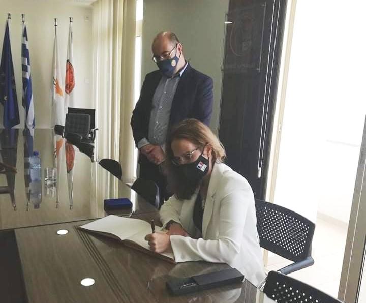 Η νέα Πρέσβειρα της Γαλλίας στη Κύπρο επισκέφθηκε τον Δήμαρχο Λάρνακας Ανδρέα Βύρα