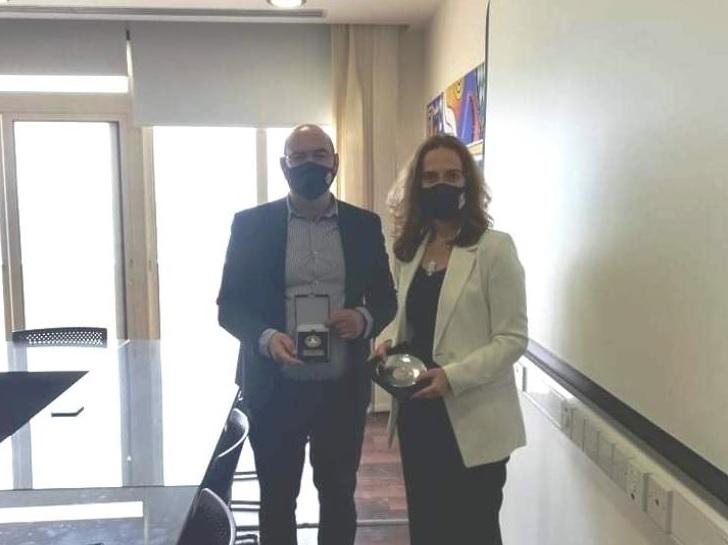 Συμφώνησαν για αμφίδρομη συνεργασία η Πρέσβειρα της Γαλλίας και ο Δήμαρχος Λάρνακας