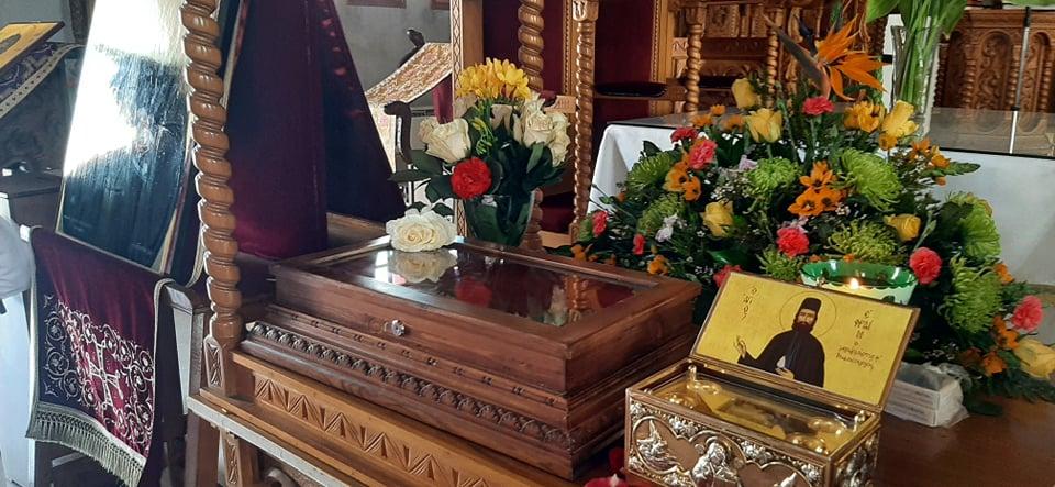 Λιβάδια: Στον Ιερό Ναό Τριών Ιεραρχών βρίσκονται τα ιερά λείψανα του Αγίου Εφραίμ (φώτο)