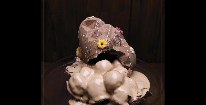 Υπάρχει ένα ζαχαροπλαστείο που φτιάχνει σοκολατένιο αυγό γεμιστό με …donuts!