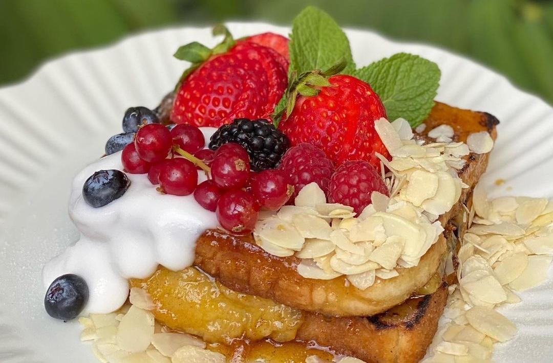 Η διάσημη αυλή της πόλης αυτό το Σαββατοκύριακο σερβίρει vegan French toast