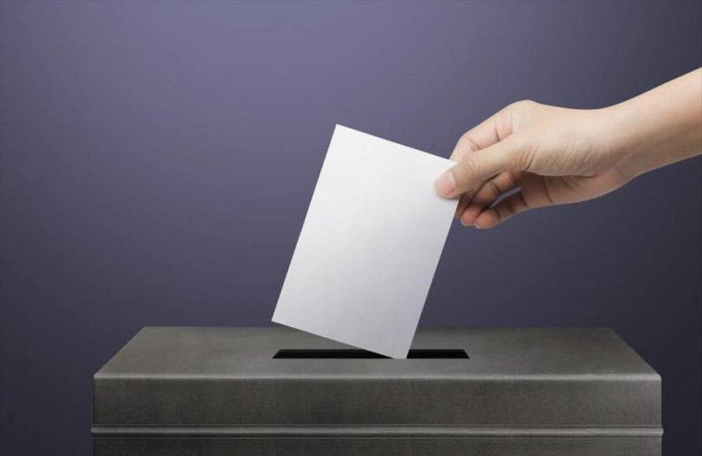 Δημοσκόπηση OMEGA – Μάχη για την πρωτιά – Ανεβαίνει η ΕΔΕΚ Μάχη για την 4η θέση – Ερωτηματικό η είσοδος στην Βουλή για κάποια κόμματα (ΠΙΝΑΚΑΣ)