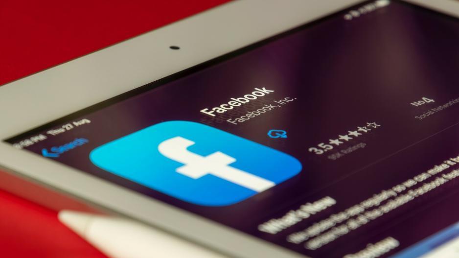 Το Facebook βάζει νέα σήμανση στις σατιρικές αναρτήσεις