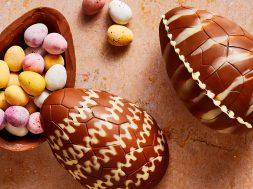 hollow-chocolate-easter-egg-520741-hero-02-1a6923fb61204a458c63e70bcf3021ac