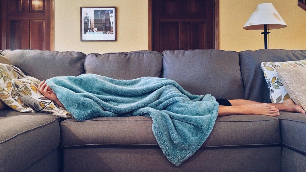 Μεγαλύτερος ο κίνδυνος άνοιας για μεσήλικες που κοιμούνται λιγότερες από έξι ώρες, σύμφωνα με έρευνα