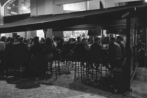 Πάμε για ποτό και live μουσική στο ανανεωμένο στέκι της πόλης