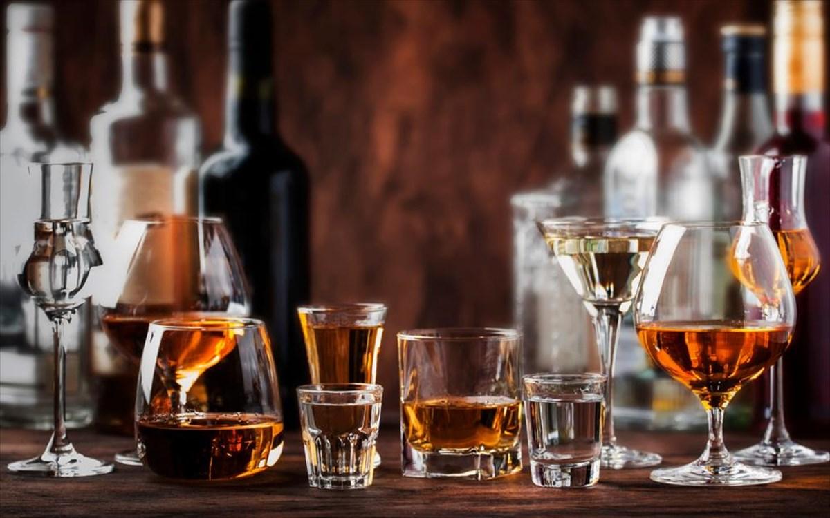 Βρετανική έρευνα: Όσο περισσότερο αλκοόλ πίνει κάποιος τόσο μικρότερος είναι ο όγκος του εγκεφάλου του