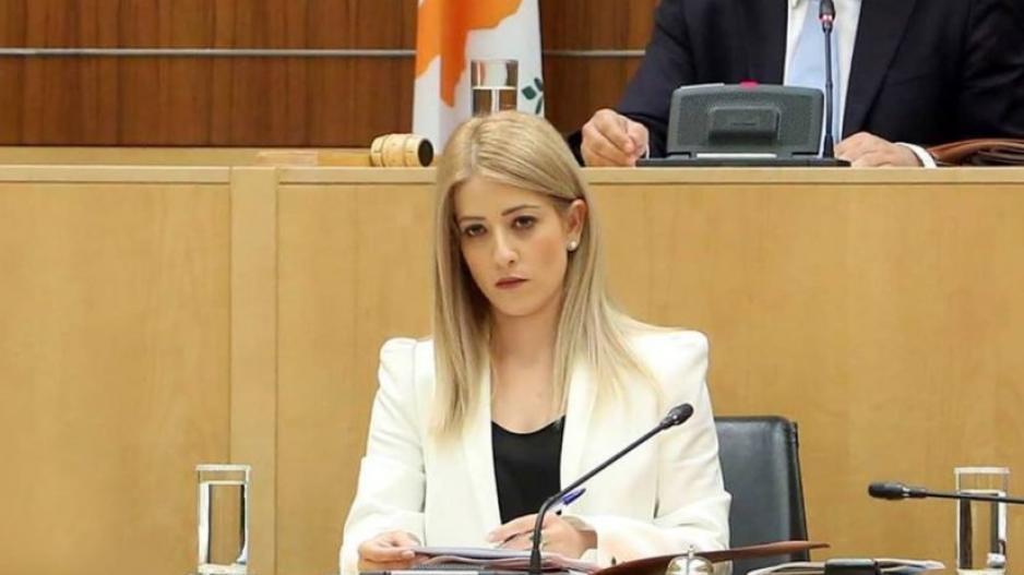 Νέα Πρόεδρος της Βουλής η Αννίτα Δημητρίου