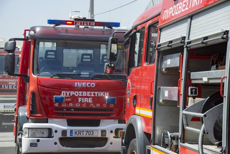 Πυρκαγιά σε δυο εγκαταλελειμμένα καταστήματα στη Λάρνακα