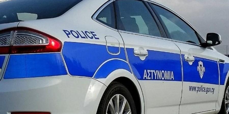 Επίθεση δέχθηκαν από άγνωστους νεαροί έξω από κατάστημα στην Αγία Νάπα