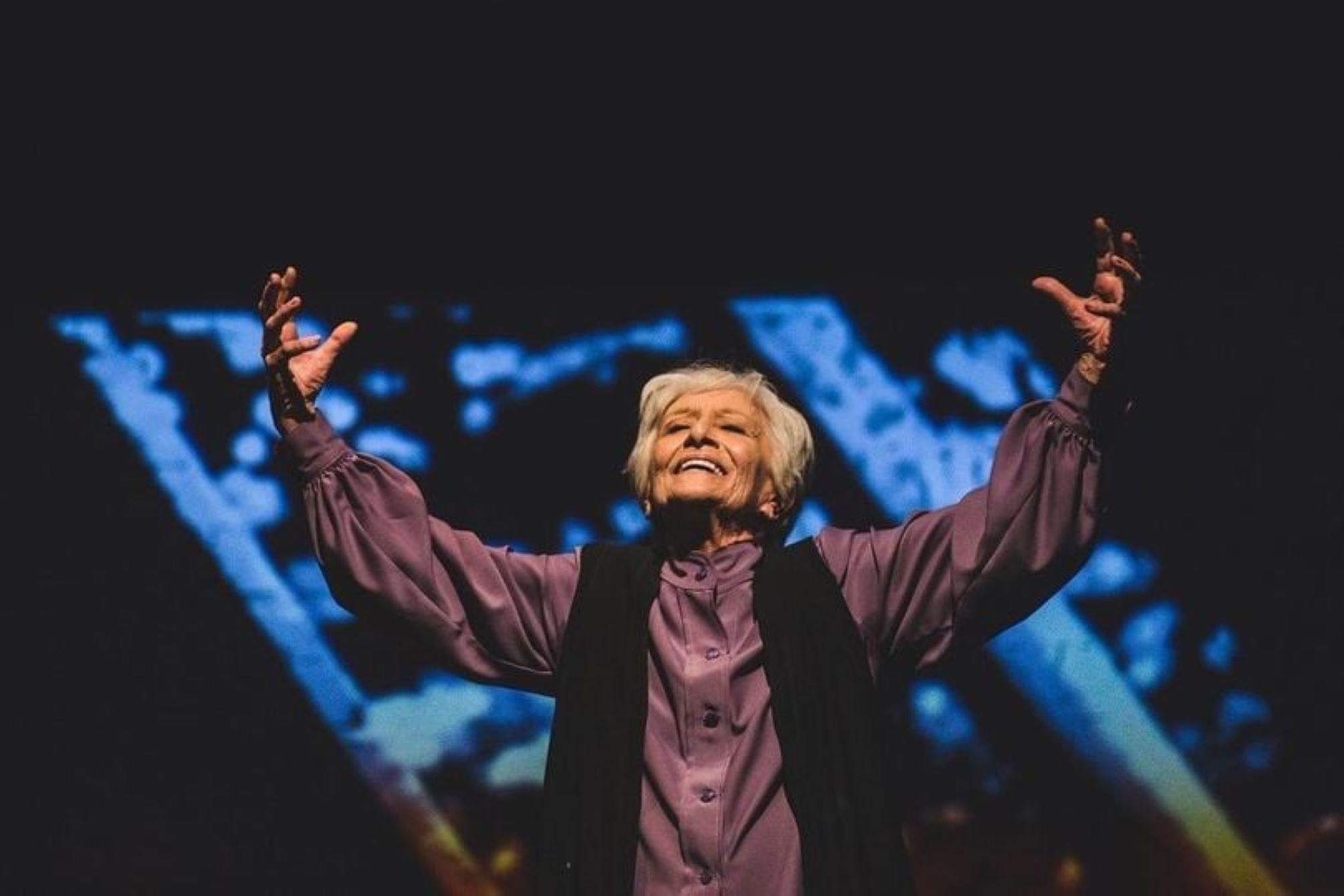 Στα πλαίσια του Διεθνές Φεστιβάλ Κύπρια έρχεται στο Δημοτικό Θέατρο Λάρνακας το έργο Ρόουζ με την Δέσποινα Μπεμπεδέλη