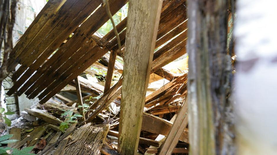 Περβόλια: Ζευγάρι με βρέφος διαμένει σε παράγκα